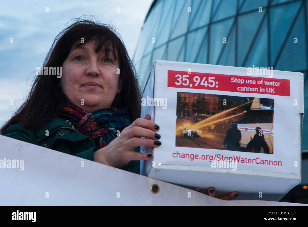 London, UK. 17th Feb 2014. . Jo Darrant prepares to present a 36,00-strong petition to City Hall as dozens gather to protest against Mayor Boris Johnson's plans to bring in water cannons to subdue street demonstrations. Credit:  Paul Davey/Alamy Live News - Stock Image
