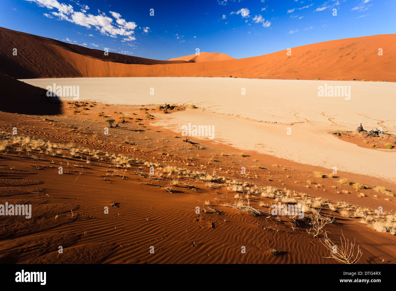 Dry Salt Lake Bed High Resolution Stock Photography And Images Alamy