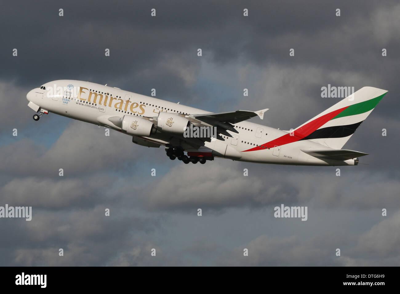 EMIRATES AIRBUS A380 JUMBO - Stock Image