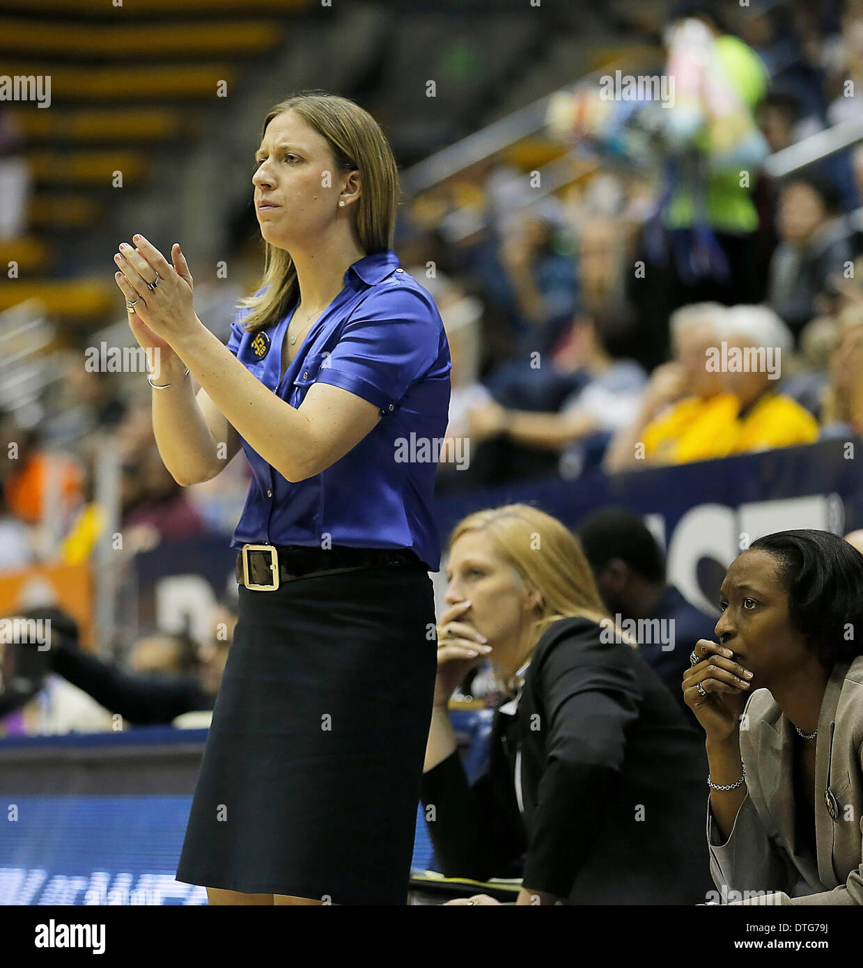 Berkeley, CA, USA. 16th Feb, 2014. Feb 16 2014 - Berkeley CA USA California Bears Head Coach Lindsay Gottlieb and Stock Photo