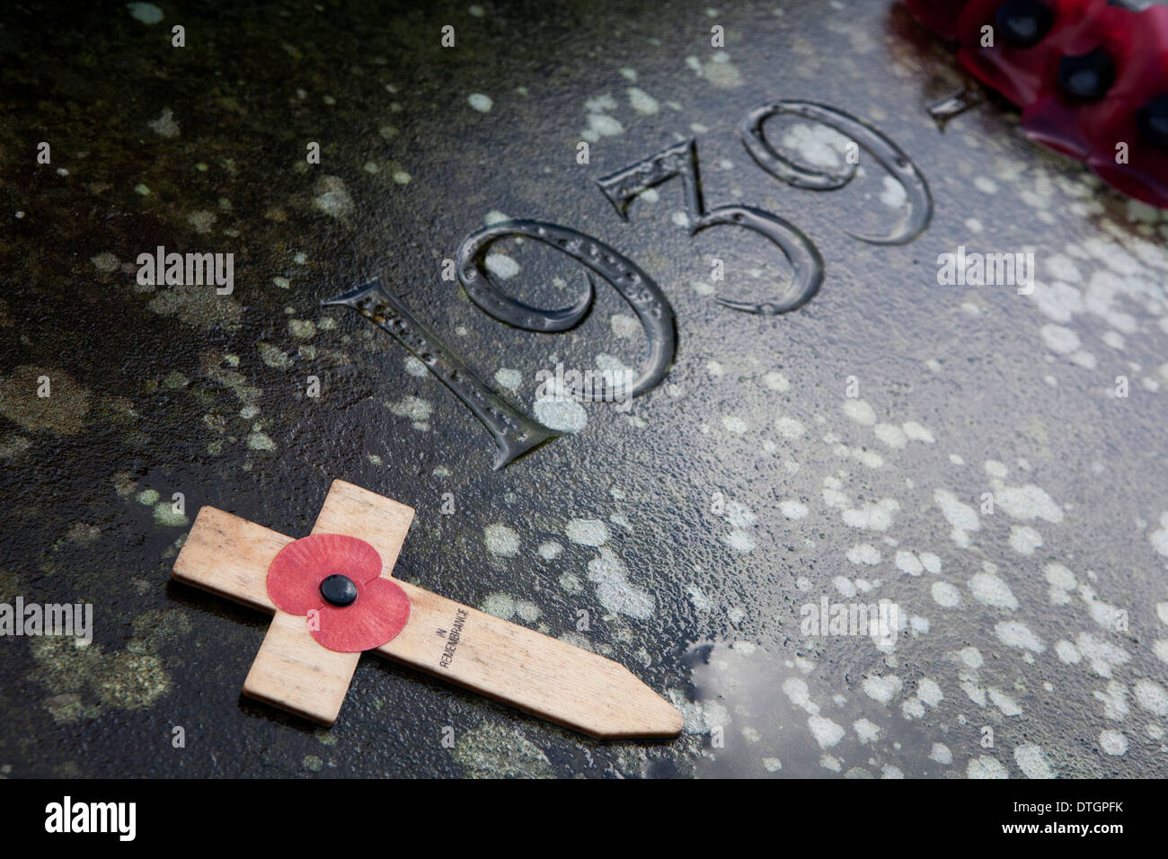 A world war 1 memorial stone with carved 1939 numbers. - Stock Image