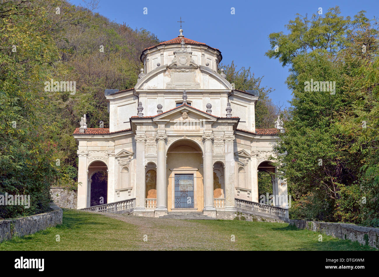 Chapel V, historic pilgrimage route to the Sanctuary of Santa Maria del Monte on the Sacro Monte di Varese or Sacred Mount of - Stock Image