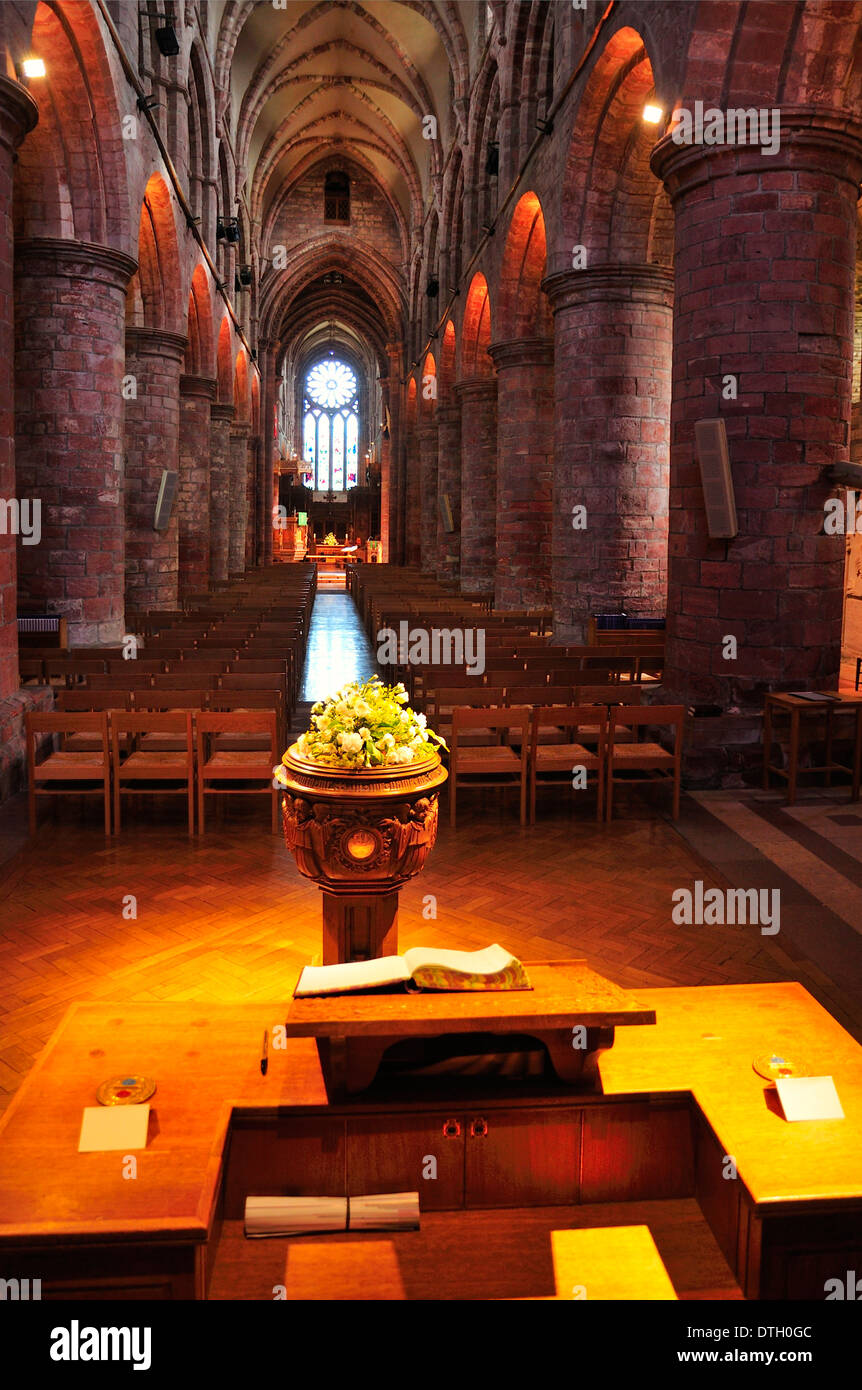 Interior of St Magnus Cathedral, Romanesque-Norman architecture, 12th century, Kirkwall, Mainland, Orkney, Scotland - Stock Image