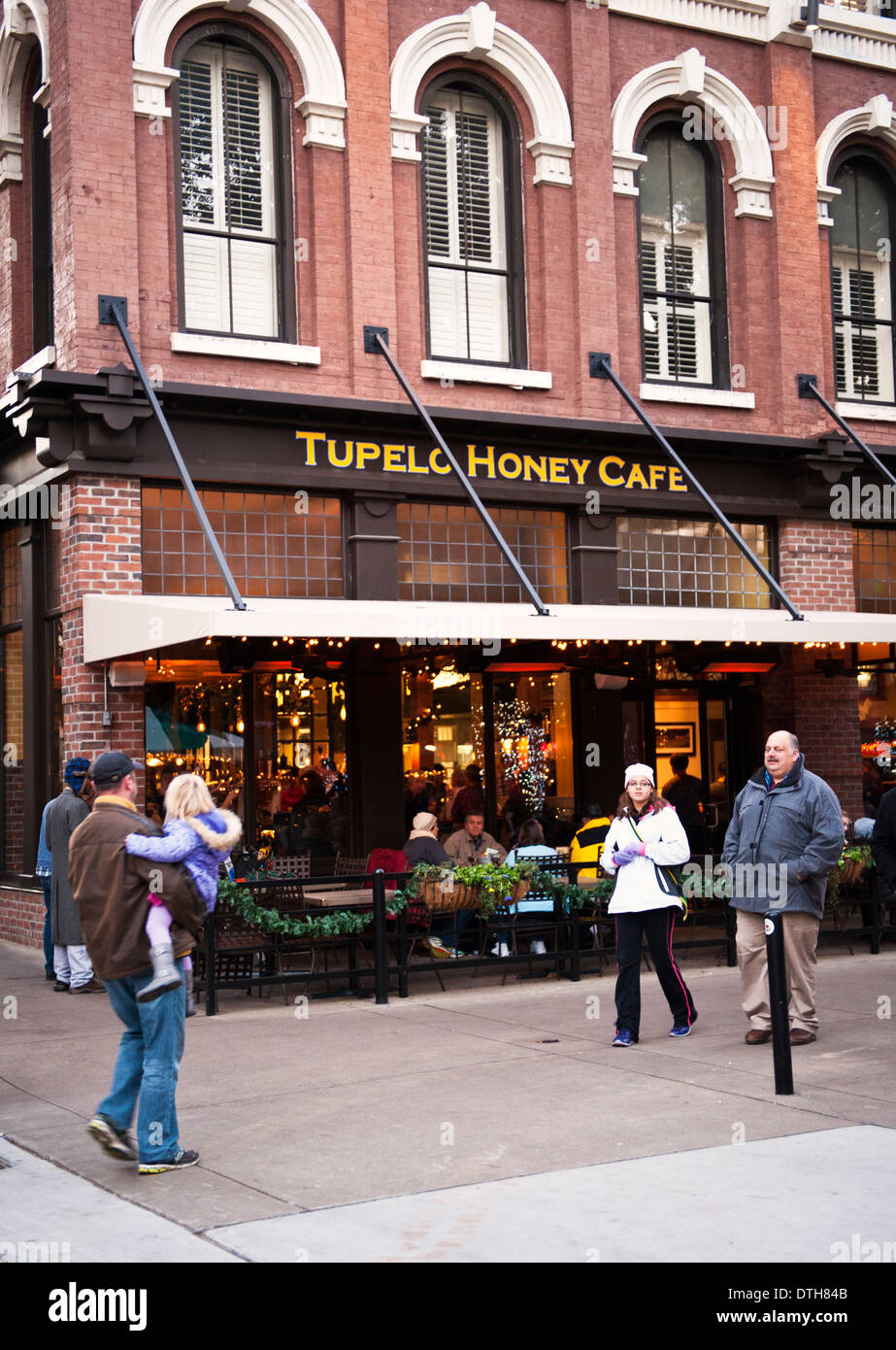 Tupelo Honey Café in Knoxville Tennessee,  1 Market Square. Knoxville, TN 37902 - Stock Image