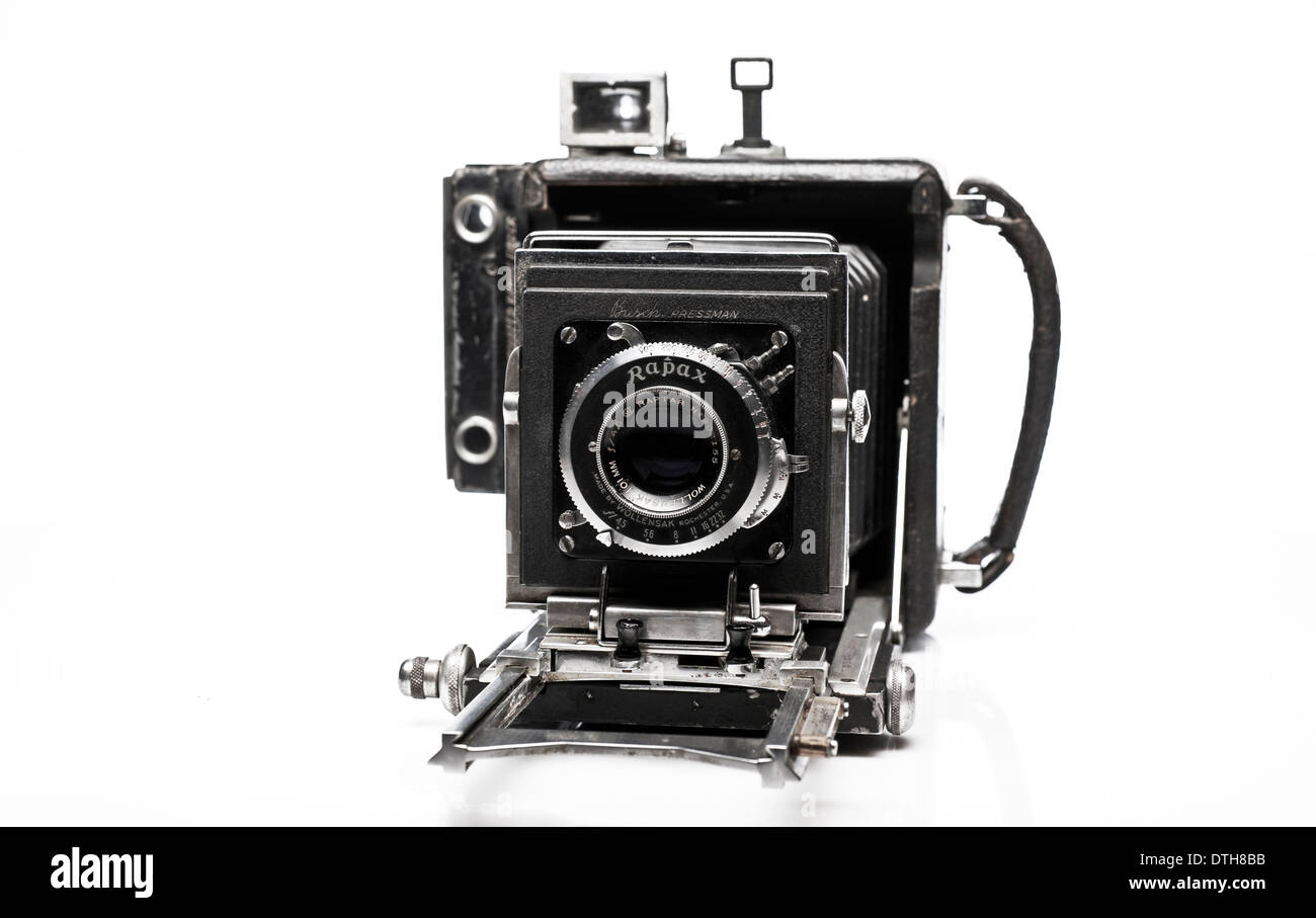 Vintage Busch Pressman large format film press photographer camera, front view detail. - Stock Image