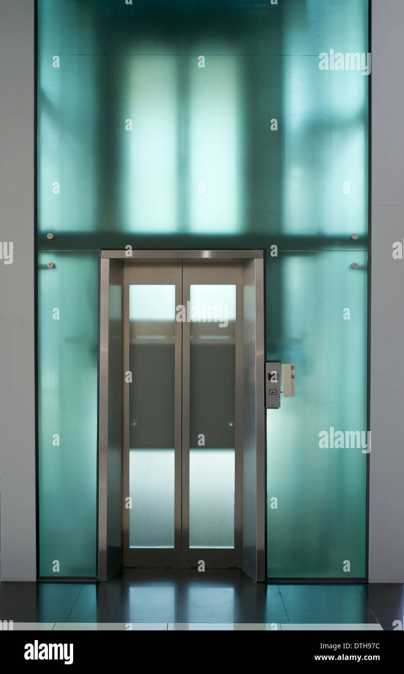 elevator door - Stock Image
