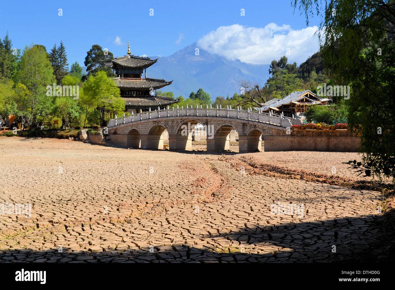 drought in China, soil cracks, global warming Stock Photo