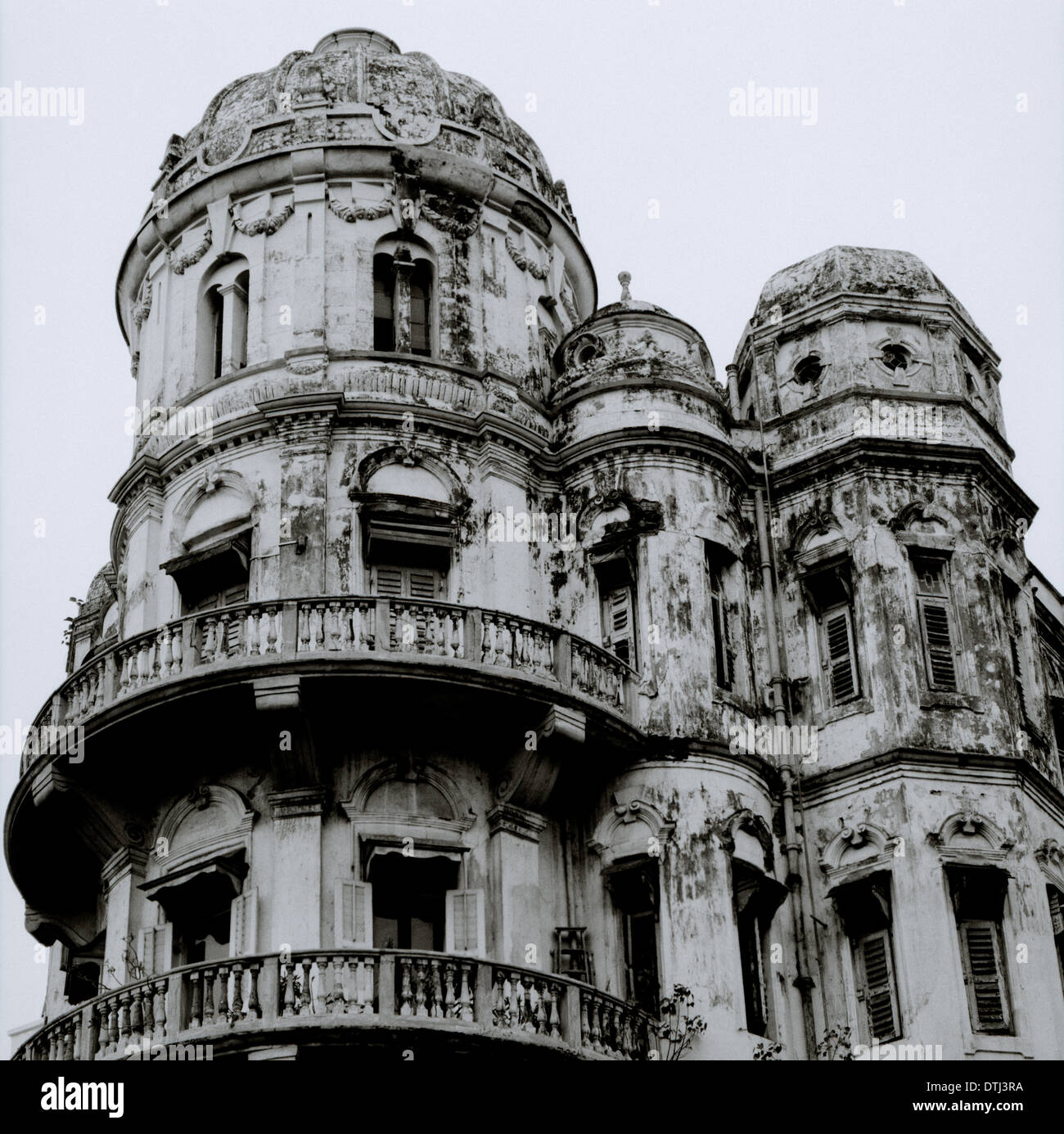 Esplanade Mansions in Kolkata Calcutta in West Bengal in India in South Asia. House Housing Dilapidated Dilapidation Mansion Architecture Travel - Stock Image