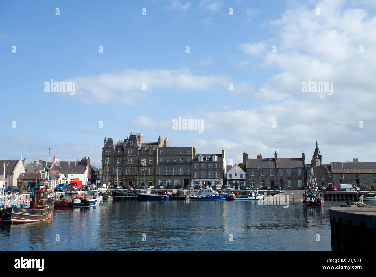 Kirkwall Harbour and the Kirkwall Hotel, Kirkwall, Orkney UK - Stock Image
