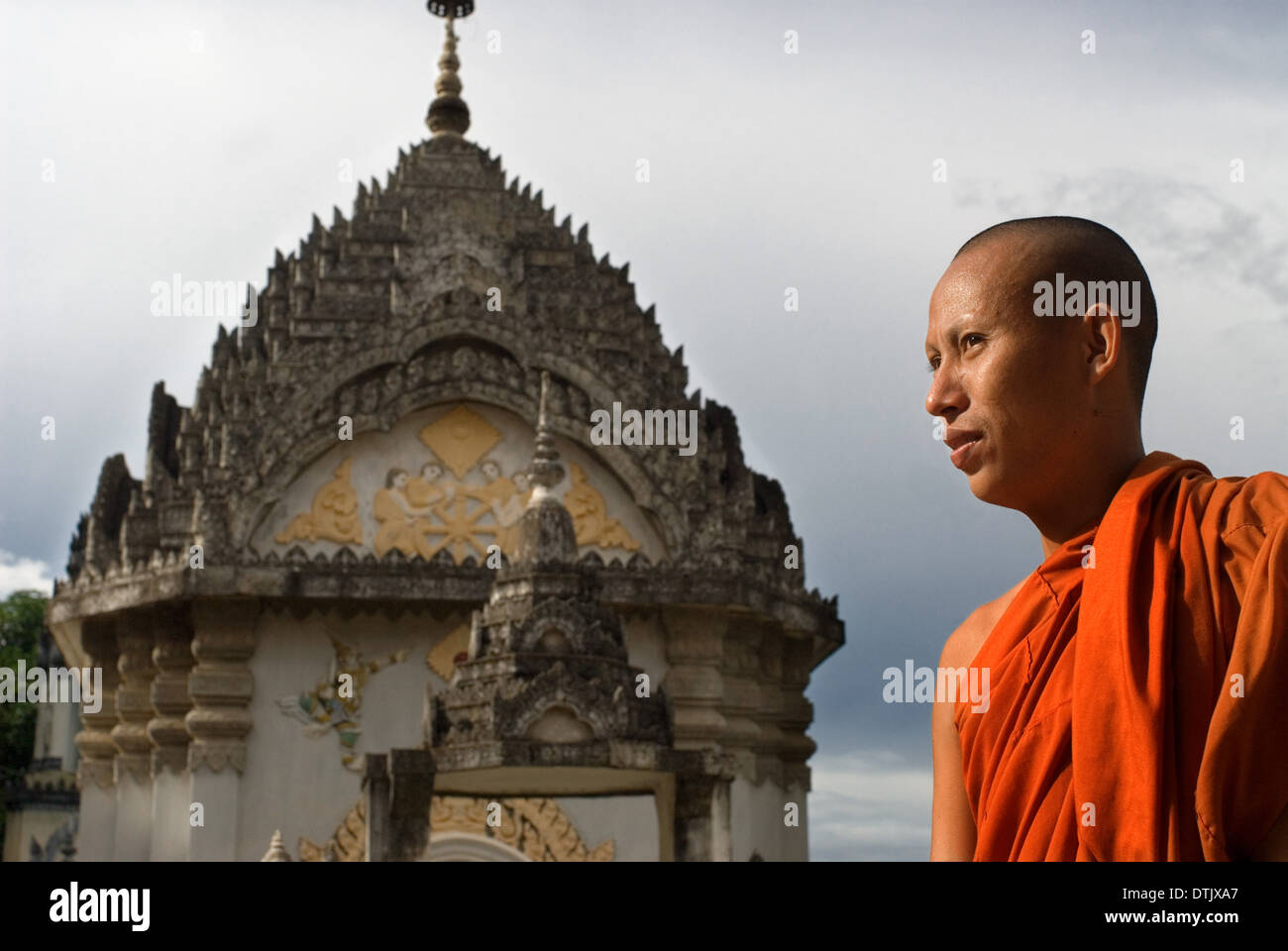 Buddhist Monk at Wat Kandal Battambang. Despite being the second largest city in Cambodia, with a population of over 250,000 - Stock Image