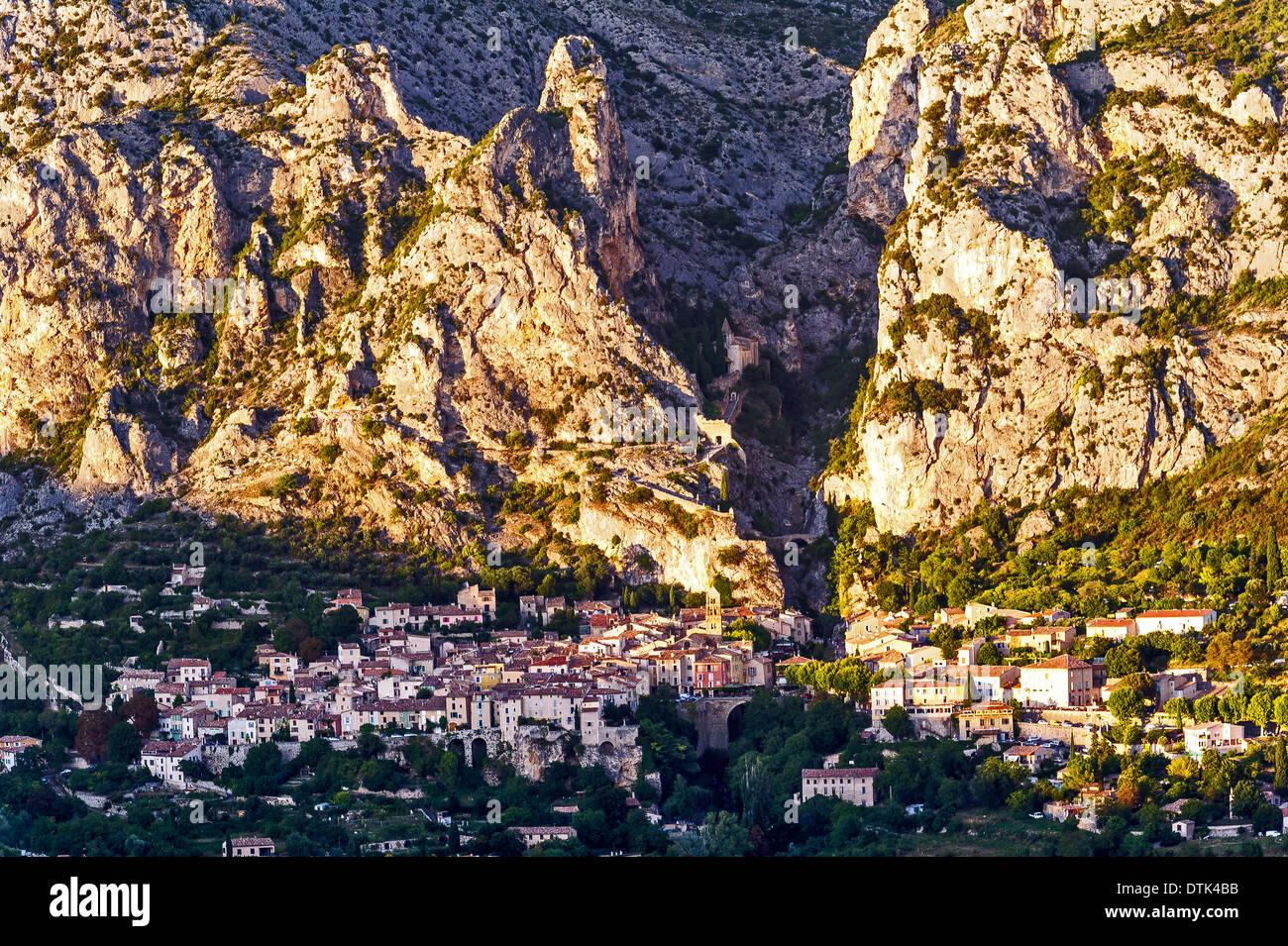 Europe, France, Alpes-de-Haute-Provence, Regional Natural Park of Verdon. Moustiers-Sainte-Marie. Stock Photo