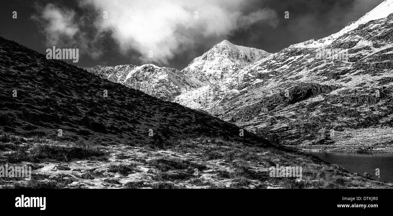 Snowdon in winter black and white - Stock Image