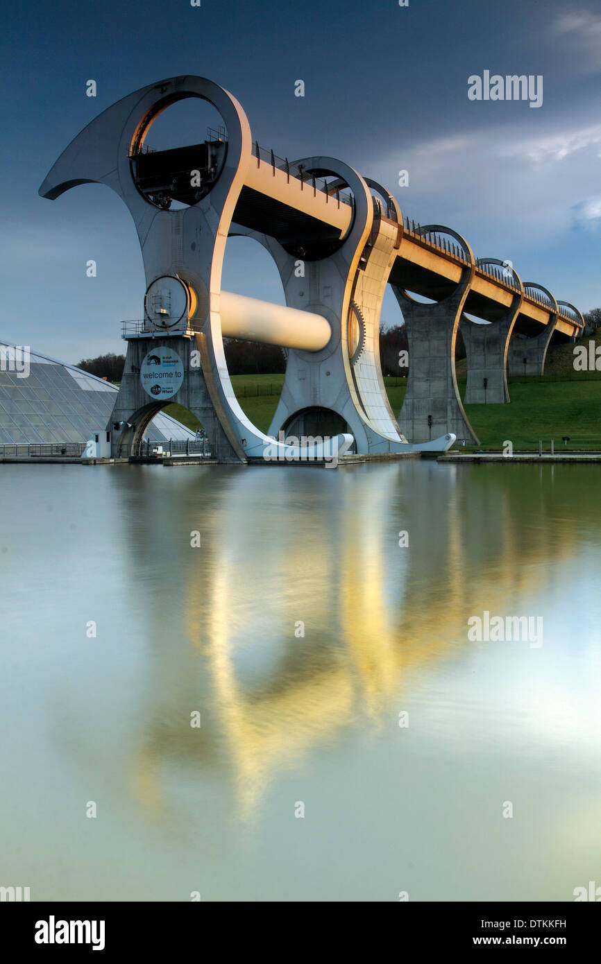 The Falkirk Wheel and the Forth and Clyde Canal, Falkirk - Stock Image