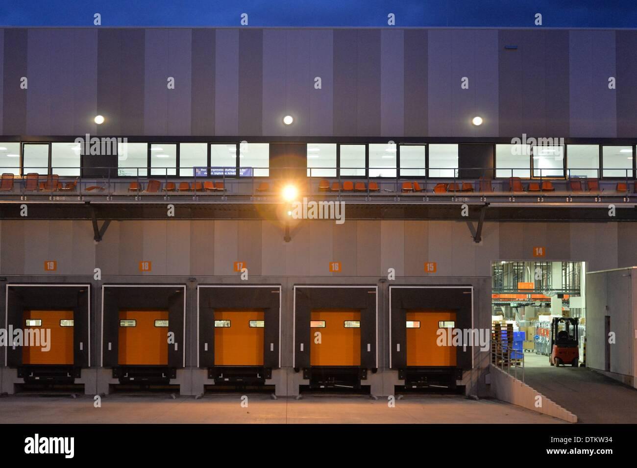 586951bad59 The logistics center of online retailer Zalando in Erfurt, Germany, 23  October 2013. Photo: Marc Tirl/dpa/Alamy Live News