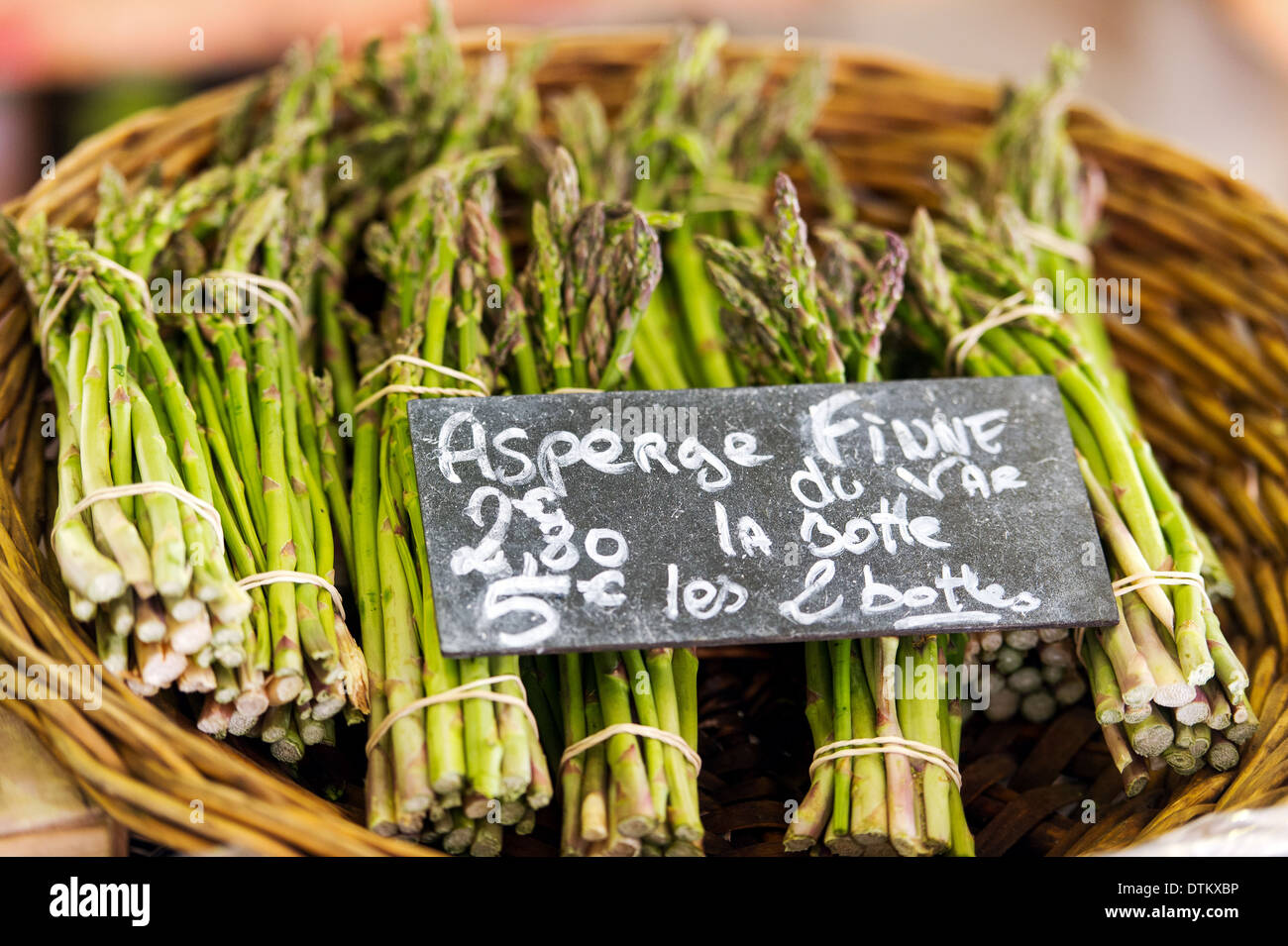 Europe, France, Alpes-Maritimes, Antibes. Provencal market. Asparagus. - Stock Image