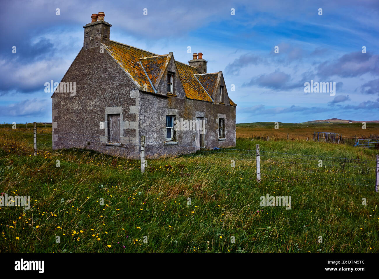 An old, abandoned farmhouse on South Uist in the Outer Hebrides, Scotland, UK. Stock Photo