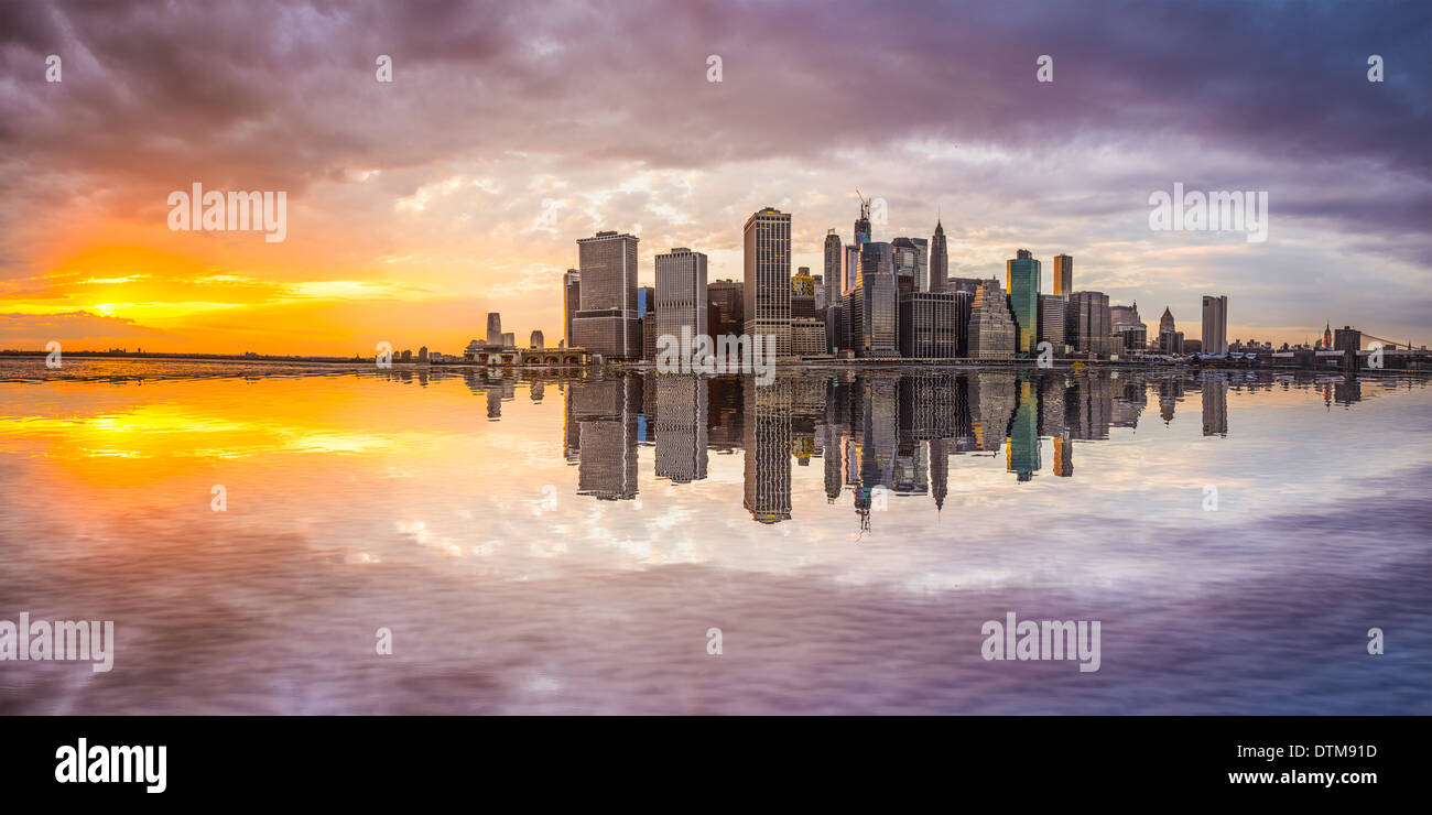New York City Financial District in Lower Manhattan from across the East River. - Stock Image