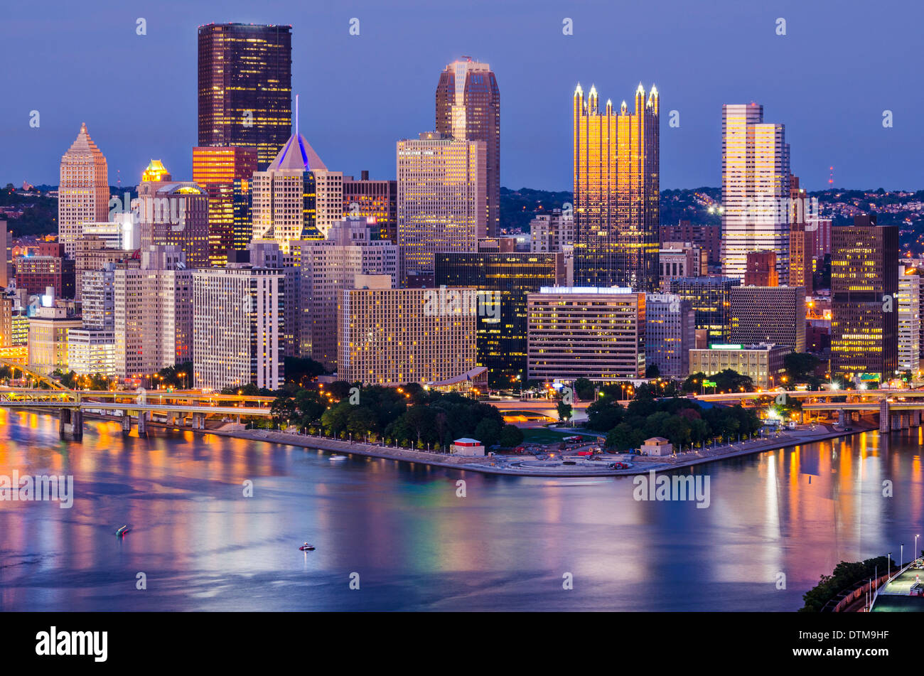 Pittsburgh, Pennsylvania, USA at twilight. - Stock Image