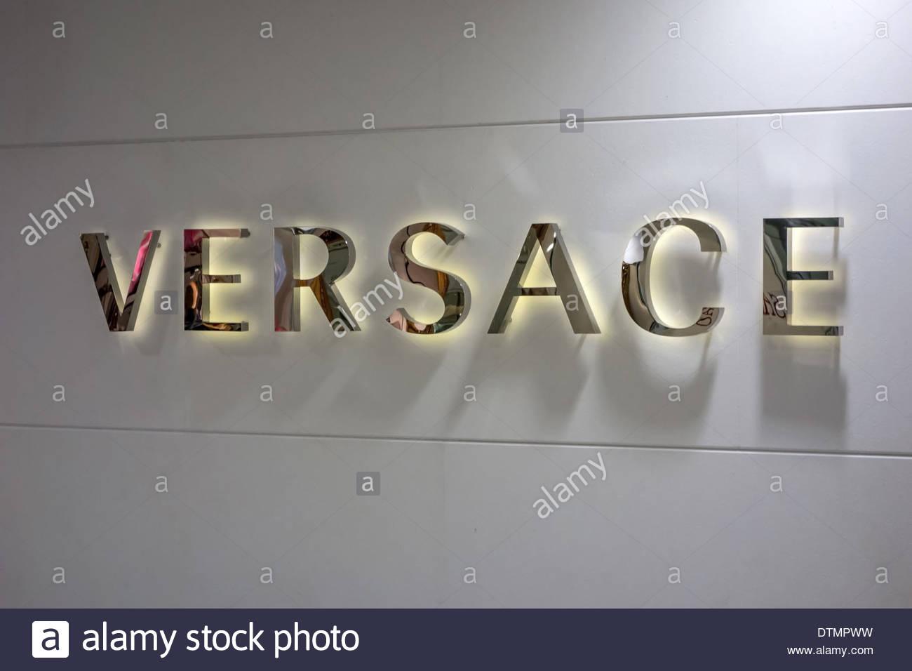 Versace Boutique Stock Photos Versace Boutique Stock Images Alamy