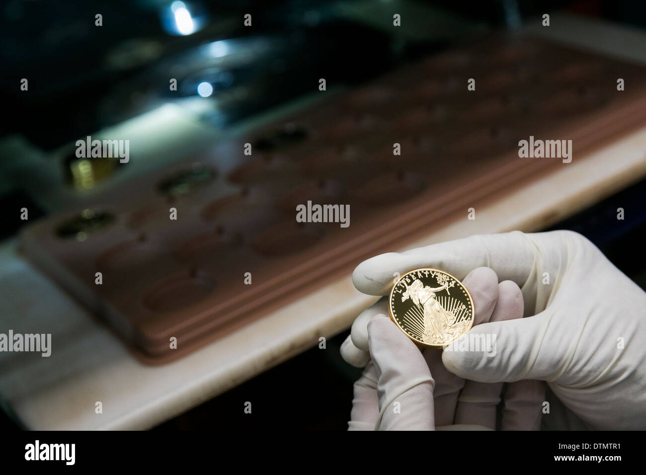 1 ounce Gold Eagle bullion and proof coin production at the West Point Mint.  - Stock Image