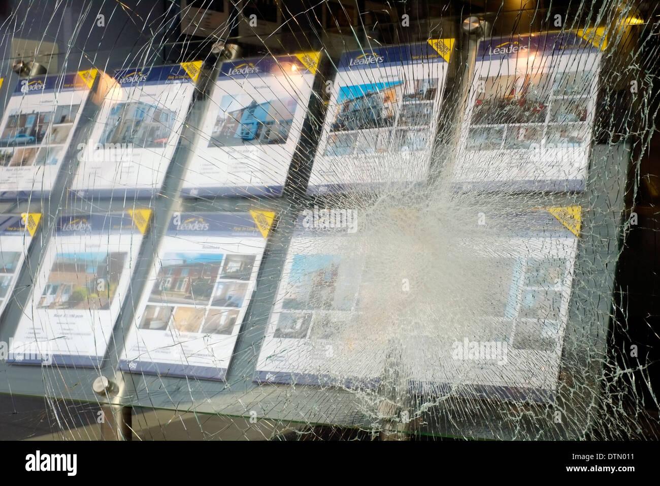 Smashed Shop Window Stock Photos Amp Smashed Shop Window