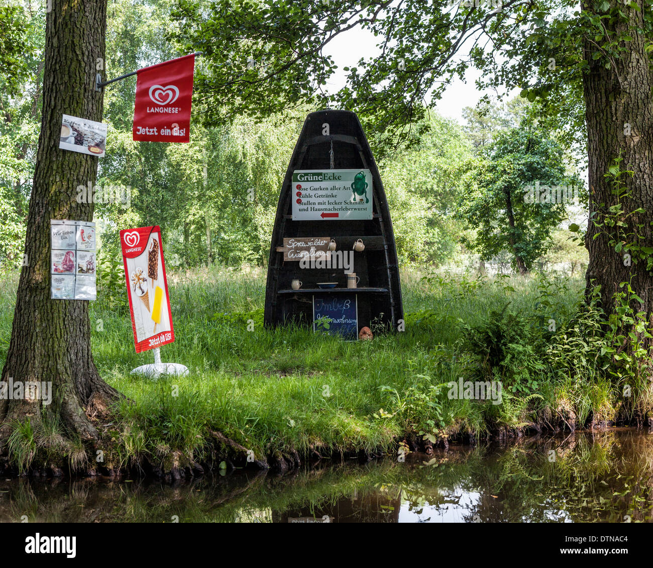 Refreshment stop and cafe on the banks of an irrigation canal in the Spreewald, UNESCO Biosphere reserve - Stock Image