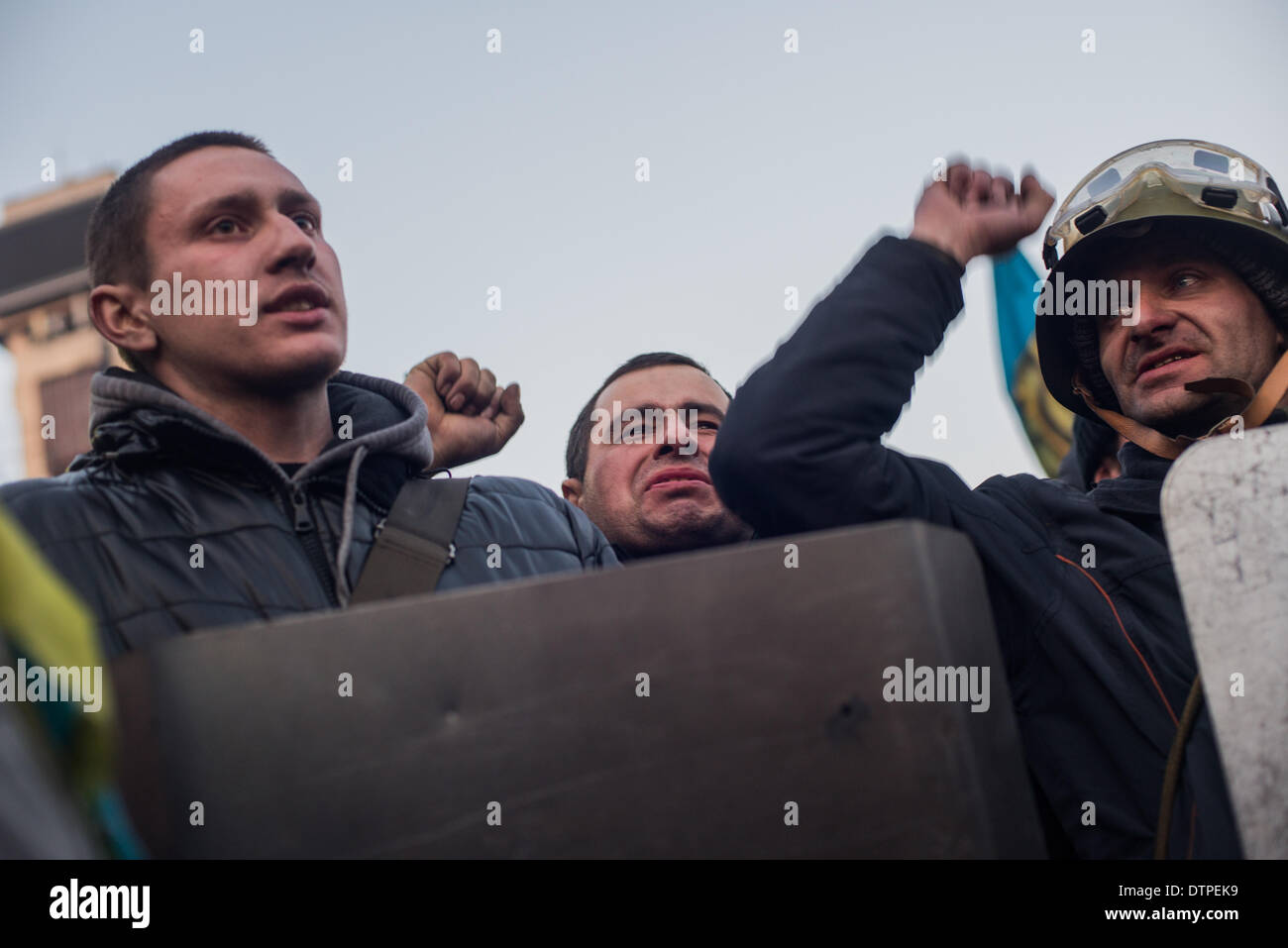 Kiev, Ukraine. 21st Feb, 2014. Kiev, Ukraine ' February 21, 2014 : In Kiev held the ceremony of the burial of dead protesters. Near 50.000 people were shouting ''Heroes do not die''. At least 77 people have been reported dead, and more than 1,000 injured in the last two days clashes. On Independence Square were made the memorials with flower and candles to honor the memory of dead protesters. © Julia Kochetova/NurPhoto/ZUMAPRESS.com/Alamy Live News - Stock Image