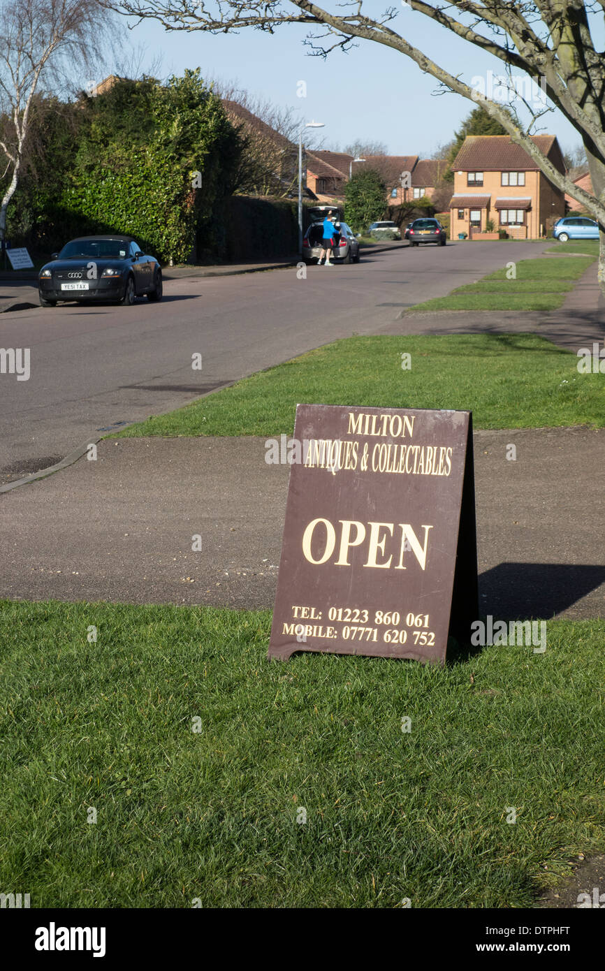 Milton village antiques & collectables sign Milton - Stock Image
