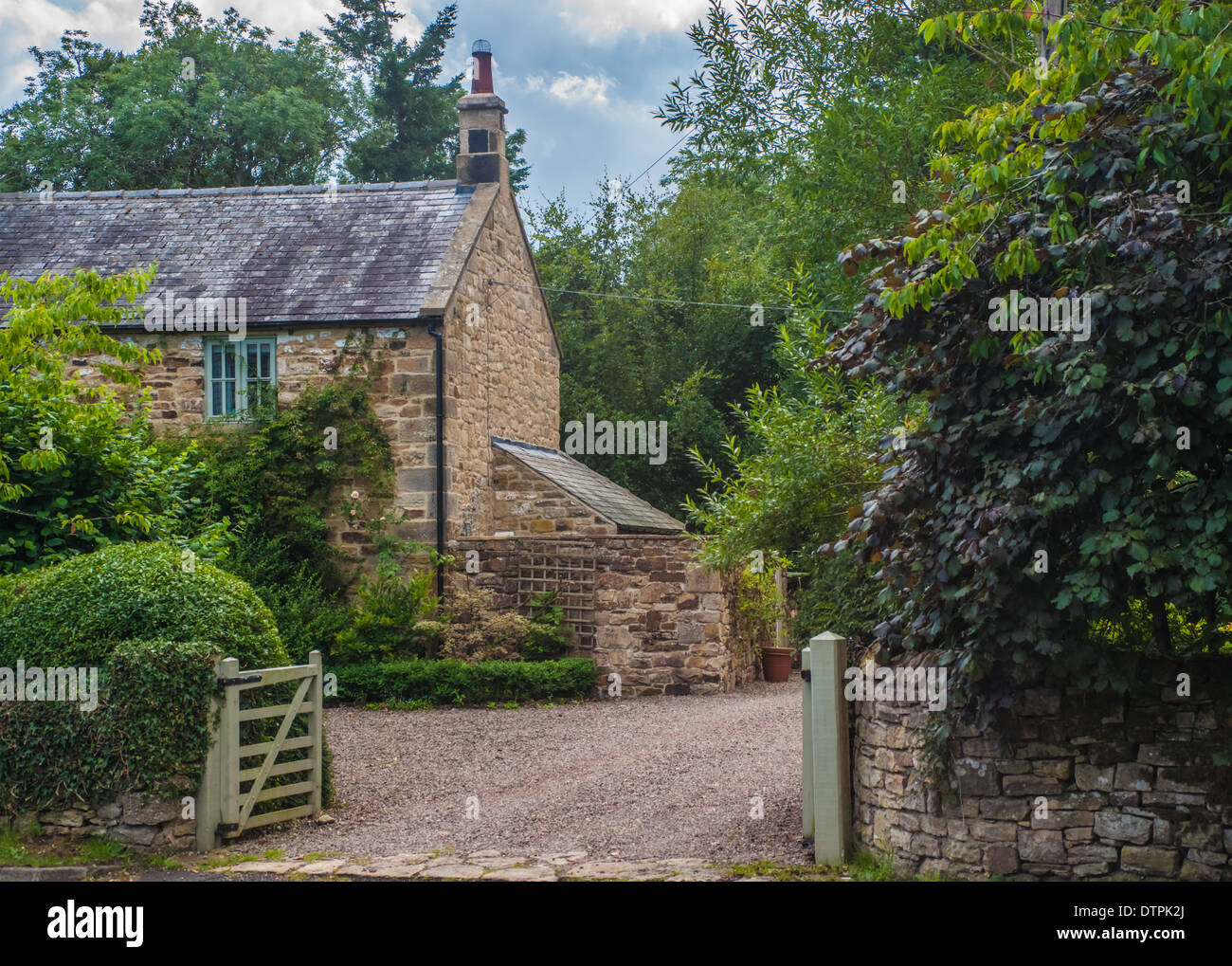 English Country Stone Cottage - Stock Image