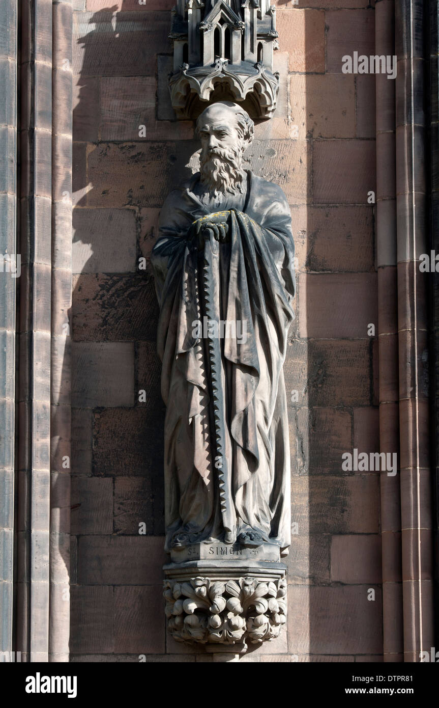 Saint Simon statue on the exterior of Lichfield Cathedral, Staffordshire, England, UK - Stock Image