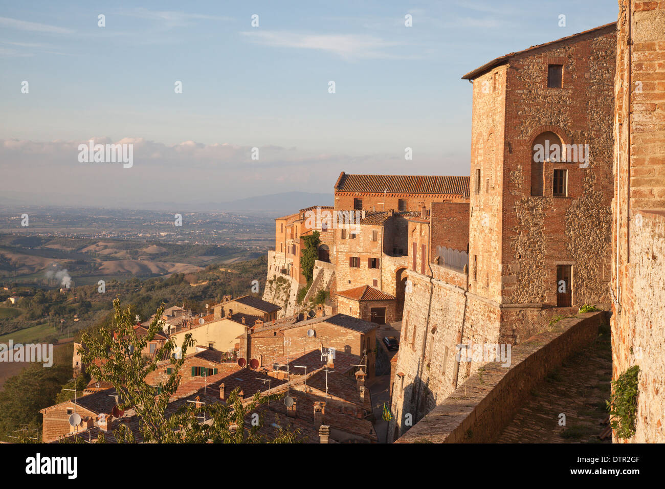 Montepulciano, an old hill town in the Province of Siena, Southern Tuscany, Italy. Mandatory credit Jo Whitworth - Stock Image