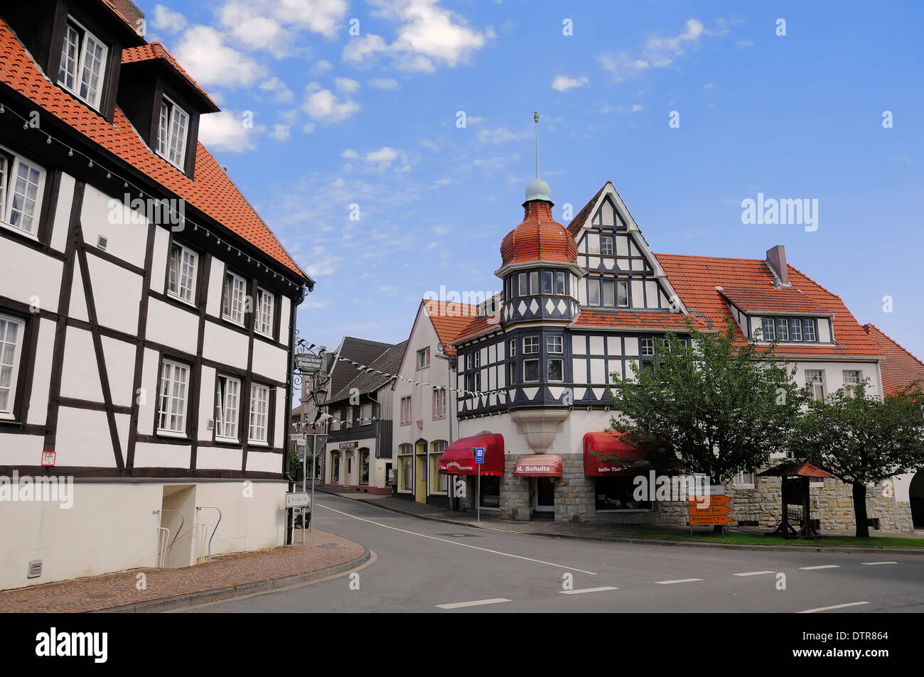 Timber-framed houses, Ennigerloh, Munsterland, North Rhine-Westphalia, Germany - Stock Image