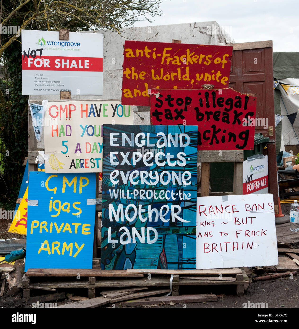 Barton Moss, Salford, UK. Sunday 23rd February 2014. A selection of placards at Barton Moss. An anti-fracking camp - Stock Image