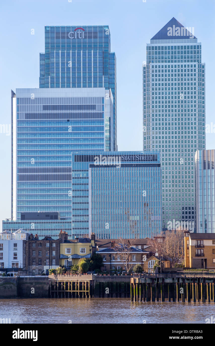 Canary Wharf and other skyscrapers on the Isle of Dogs, river Thames, London - Stock Image