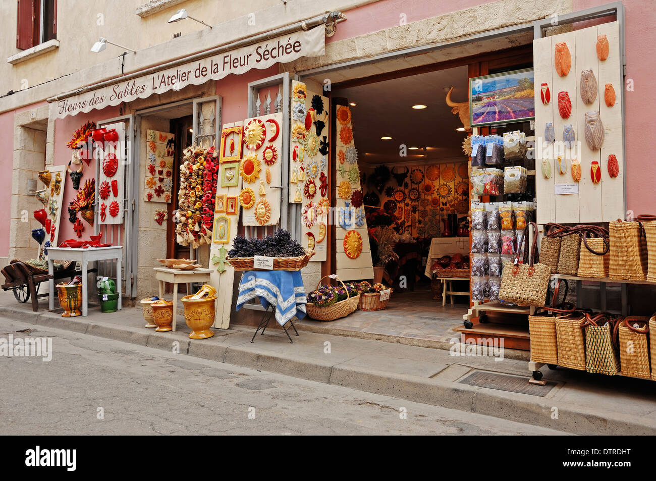 Shop, Aigues-Mortes, Camargue, Gard, Languedoc-Roussillon, Southern France - Stock Image