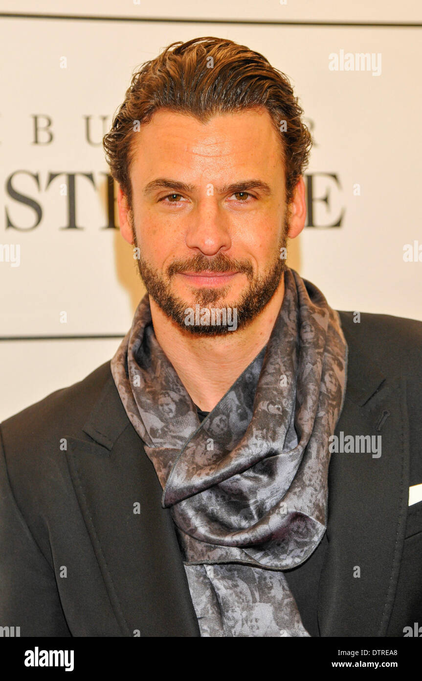 actor stephan luca at the private view of feuerbach muses. Black Bedroom Furniture Sets. Home Design Ideas