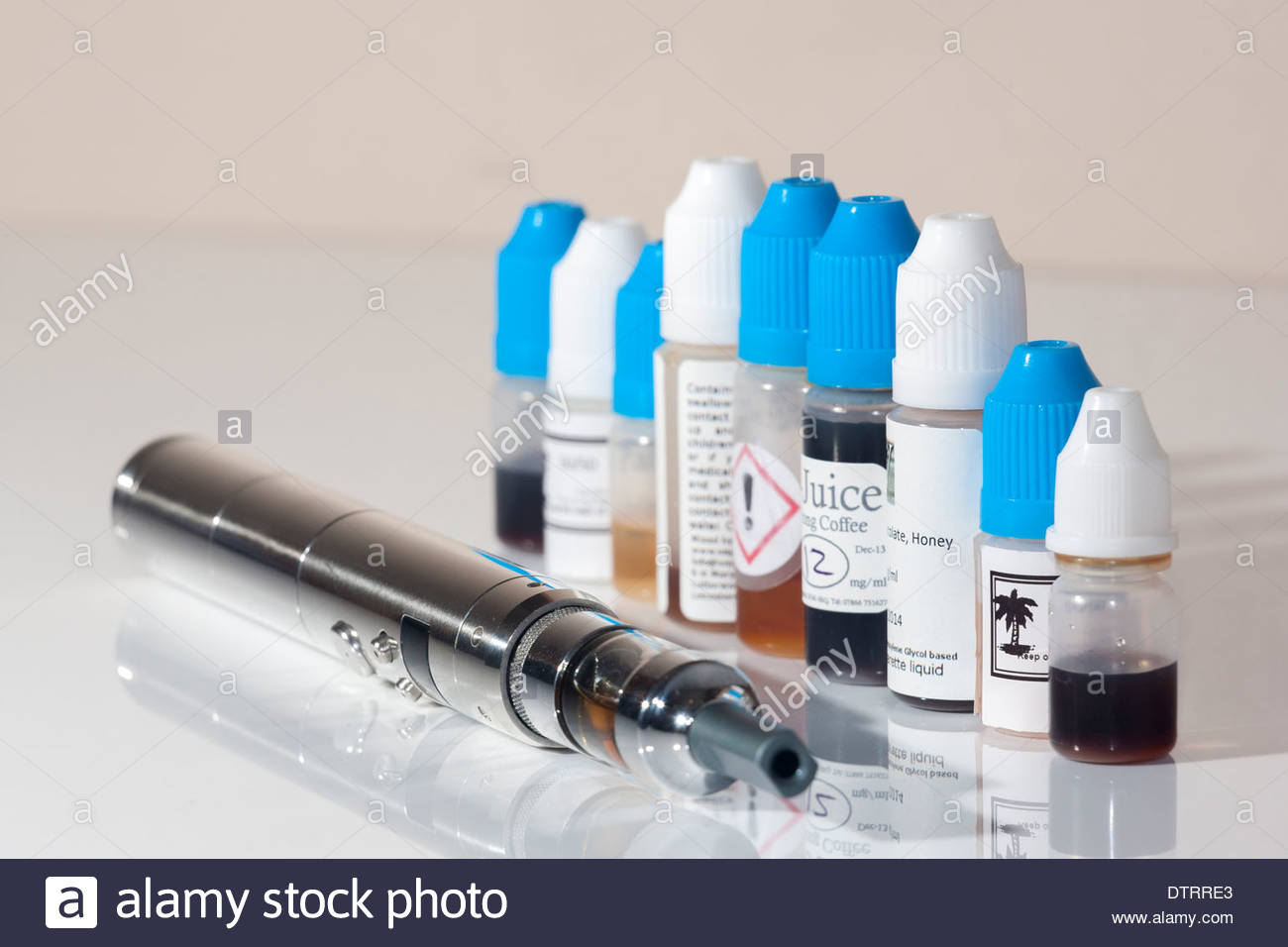 Personal Vaporizer (e-cigarette) and e-juice - Stock Image