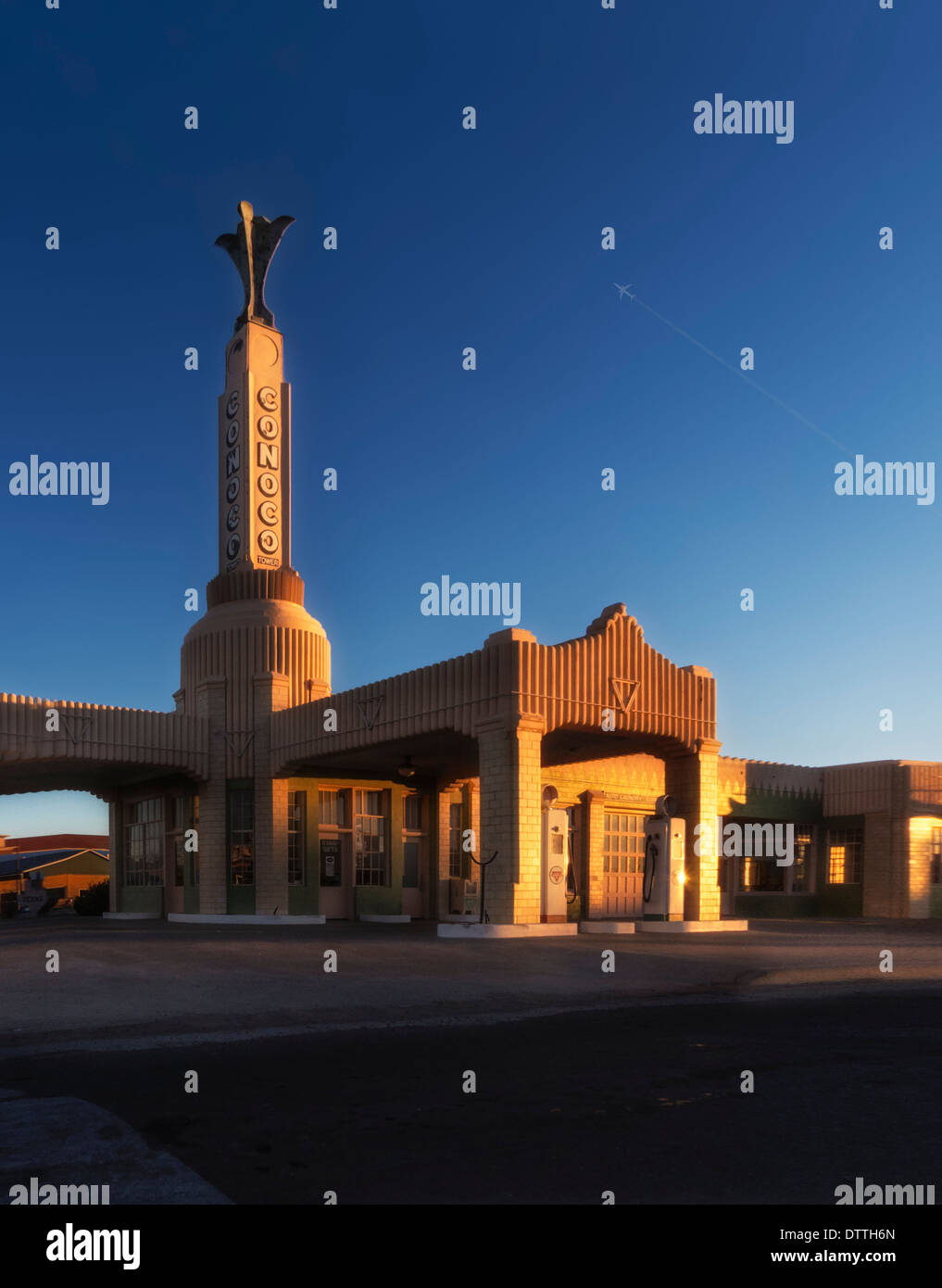 The Classic Conoco gas Station in Shamrock Oklahoma on Old Route 66 - Stock Image