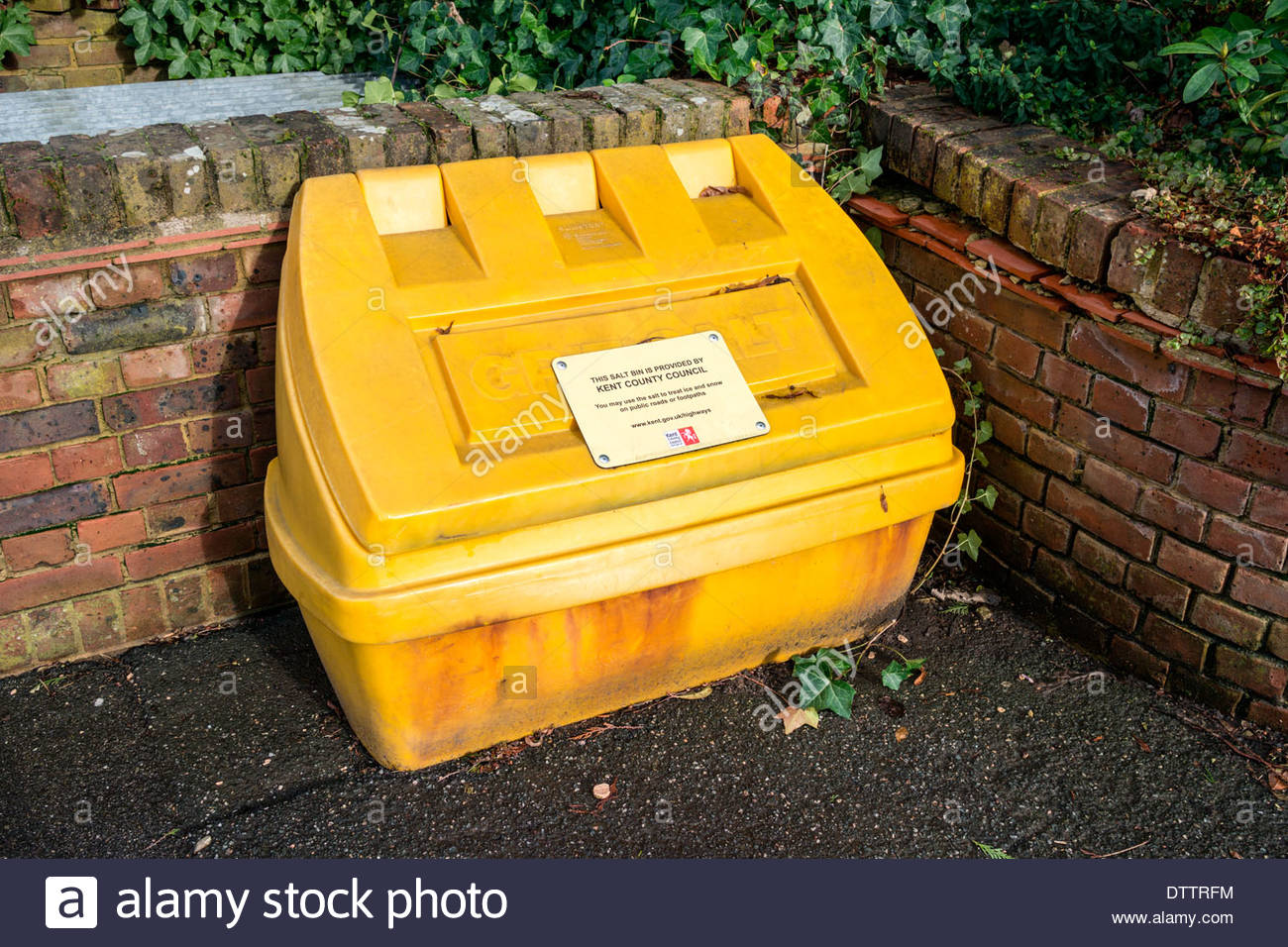 Yellow Grit Bin - Stock Image