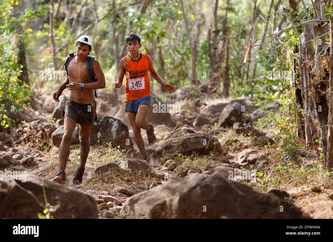 Extreme sports, runners in the 25k 'Fuego y Agua' race on Ometepe Island, Nicaragua - Stock Image