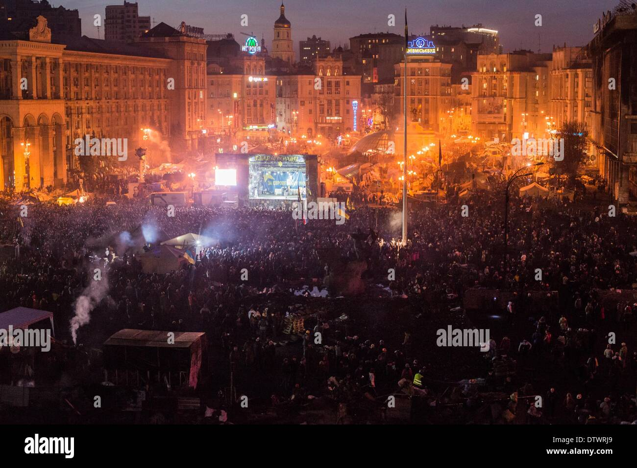 Feb. 21, 2014 - Kiev, Ukraine - In Kiev held the ceremony of the burial of dead protesters. Near 50.000 people were shouting ''Heroes do not die''. At least 77 people have been reported dead, and more than 1,000 injured in the last two days clashes. On Independence Square  were made the memorials with flower and candles to honor the memory of dead protesters. (Credit Image: © Julia Kochetova/NurPhoto/ZUMAPRESS.com) - Stock Image