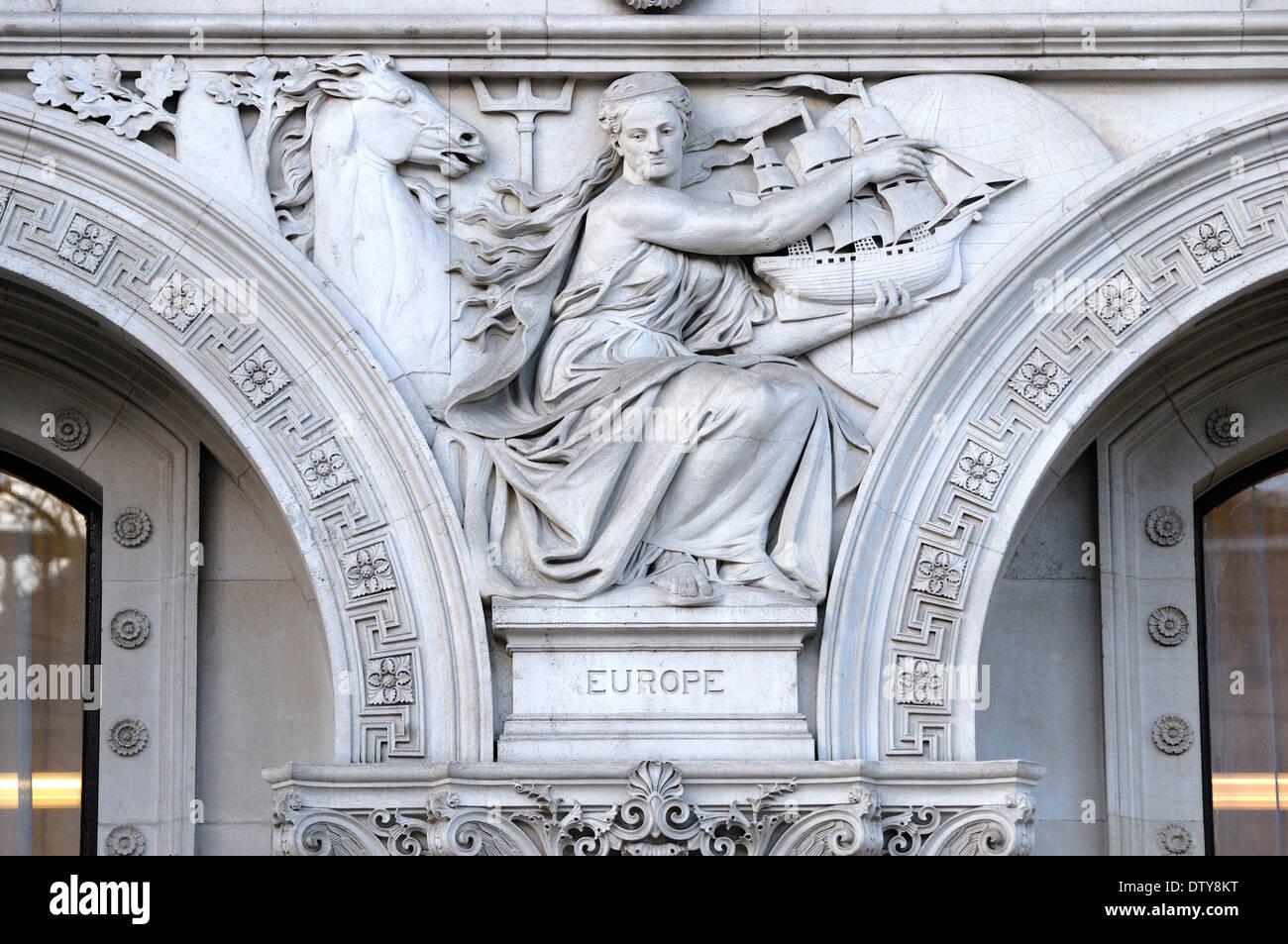 London, England, UK. Foreign and Commonwealth Office in Whitehall. Facade detail: allegorical figures representing Europe - Stock Image