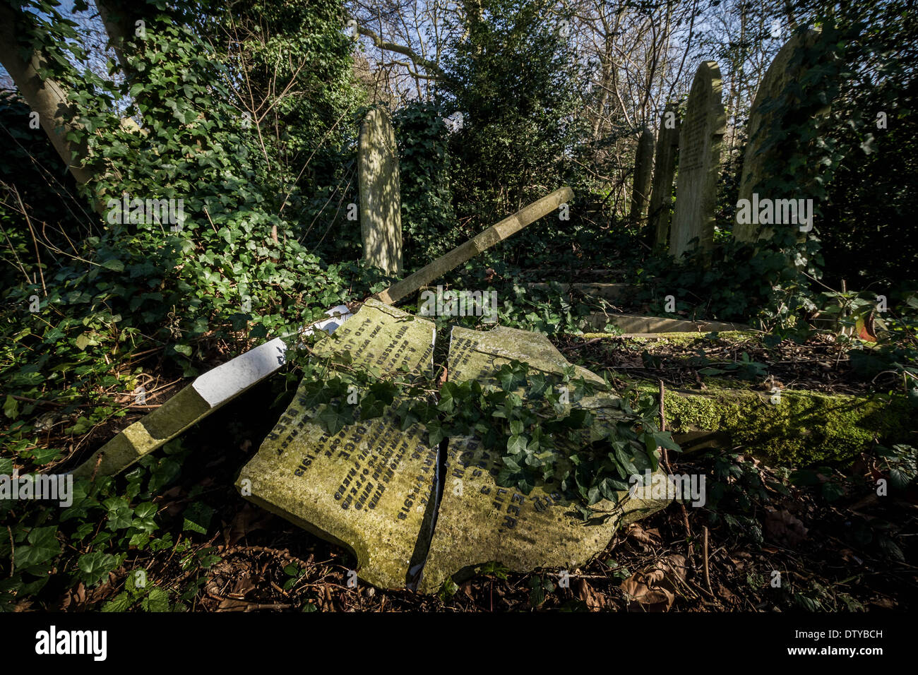 Tower Hamlets Cemetery in the East End of London, UK Stock Photo