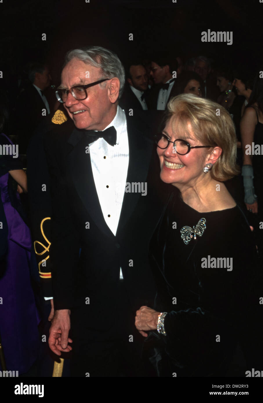 Investor Warren Buffett and wife Susan Buffett arrive for the State Dinner for British Prime Minister Tony Blair May 2, 1998 at the White House in Washington, DC. - Stock Image