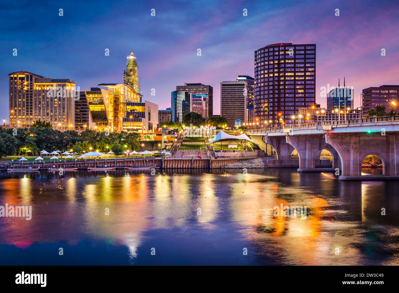 Hartford, Connecticut, USA downtown skyline on the Connecticut River. - Stock Image