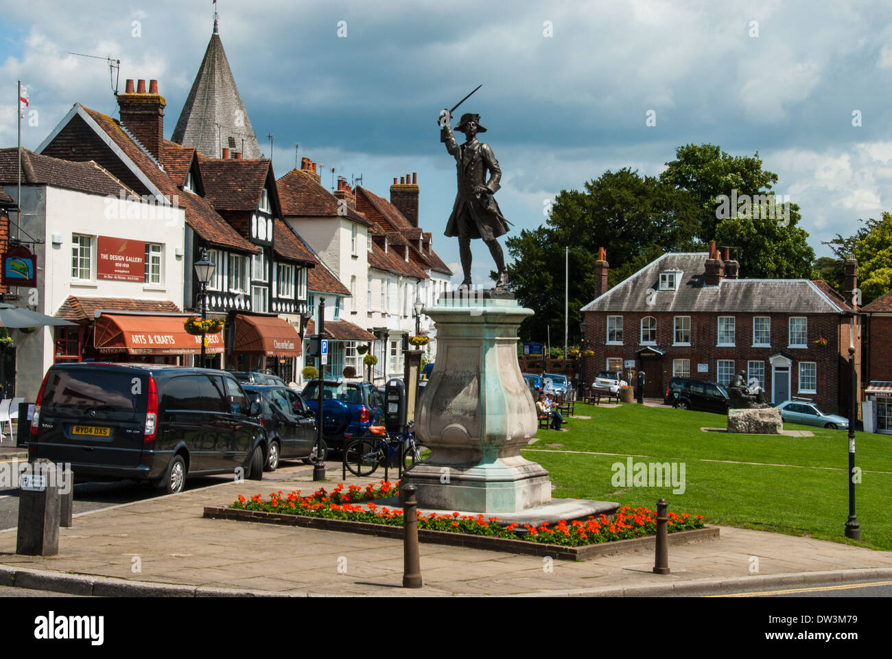 The village green, Westerham, Kent. with Major General James Wolfe statue. - Stock Image