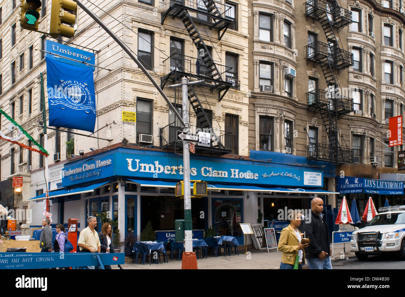 mulberry street  Restaurant Umberto 's Clam House in Little Italy . 178 Mulberry St ...