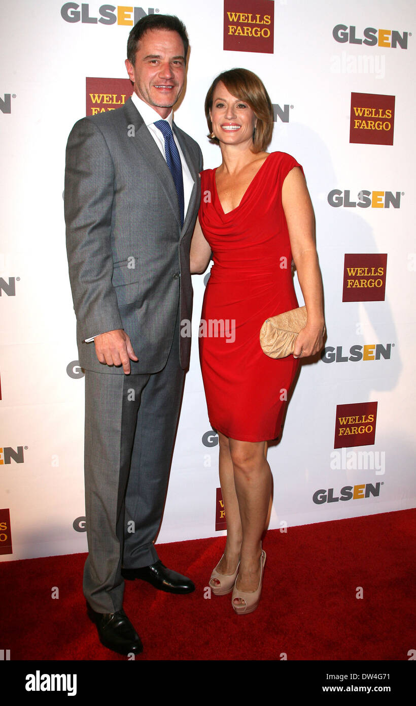 Tim Dekay High Resolution Stock Photography And Images Alamy Actor tim dekay talks with us about the final season of white collar on usa network. https www alamy com tim dekay and wife elisa dekay 8th annual glsen respect awards held image67098053 html