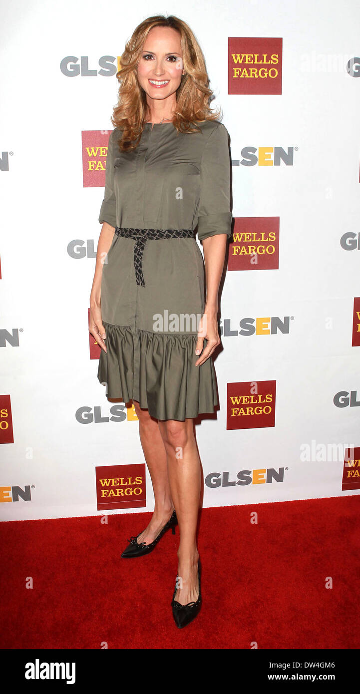 Chely Wright Offers Ride in Central Park, Lunch Date with Wife for Kickstarter Perks