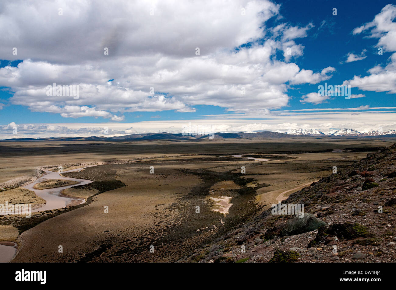 View of the Río Belgrano with the Andes in the distance, Patagonia, Santa Cruz Province, Argentina - Stock Image
